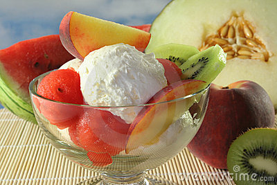 Fruit sundae