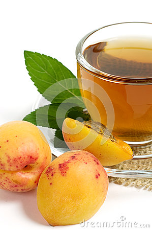 Fruit tea in cup