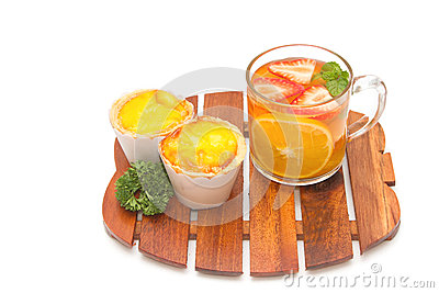 Fruit tea with Parsley and Egg tarts