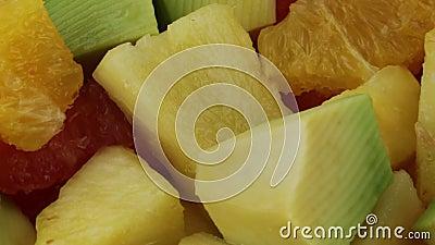 Fruto misturado da salada de fruto vídeos de arquivo