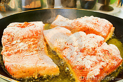 Frying fresh salmon