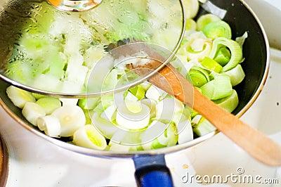 Frying leek