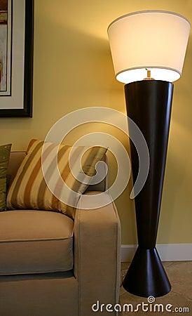 Fußboden-Lampe