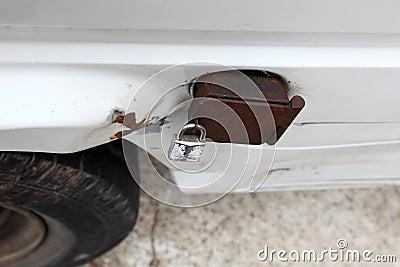 Fuel cap tank