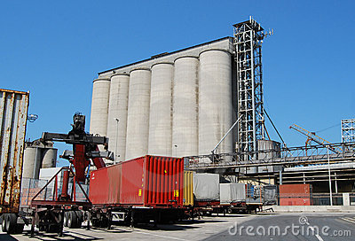 Fuel silos and containers