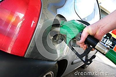 Fueling car