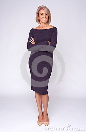 Free Full Length Of A Fashionable Old Woman Royalty Free Stock Photo - 102799205