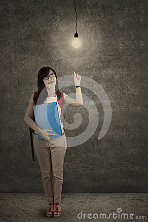 Free Full Length Student Getting Bright Idea 1 Royalty Free Stock Photos - 42228868