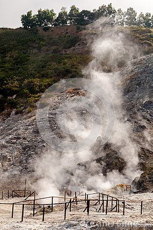 Free Fumarole And Crater Walls Of Active Vulcano Solfatara Royalty Free Stock Photo - 60726995