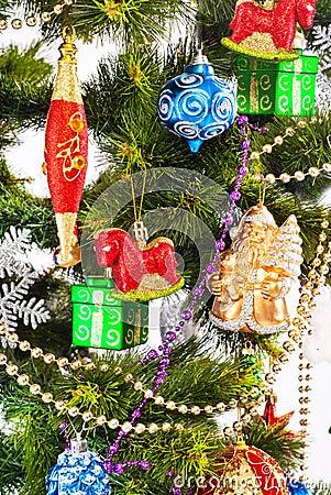 Fundo do ano novo com decorações da cor