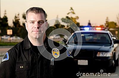 Funkcjonariusz patrolujący