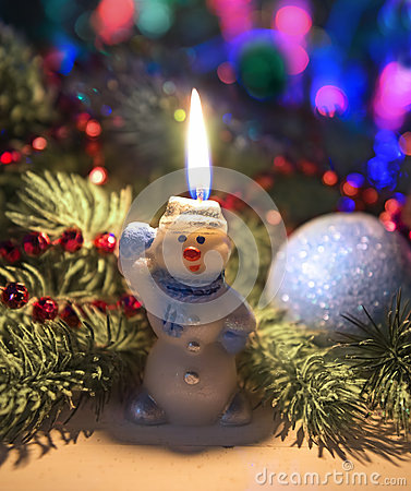 Free Funny Snowman With Conifer And Decorations Royalty Free Stock Image - 46941966
