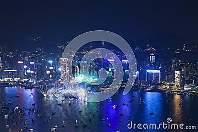 Fuochi d artificio 2013 di conto alla rovescia di Hong Kong Immagine Stock Editoriale