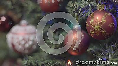 Fuoco che tira la decorazione del nuovo anno e di natale Fondo di festa di Bokeh vago estratto Ghirlanda di lampeggiamento archivi video
