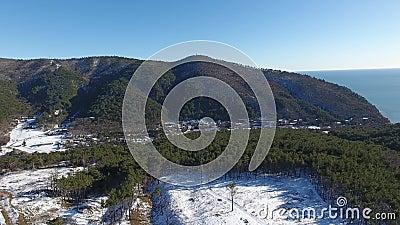 Góra krajobraz i seascape, widok z lotu ptaka zdjęcie wideo