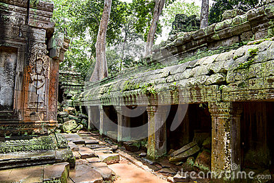 Gallery ruins in Ta Prohm Temple