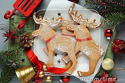 Galletas alce formadas la navidad hecha en casa con la - Decoracion hecha en casa ...