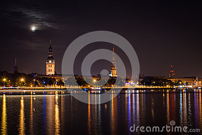 Gamla Riga i natten.