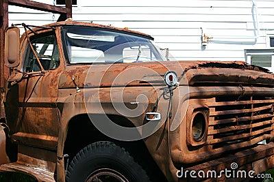 Gammal rostig truck2