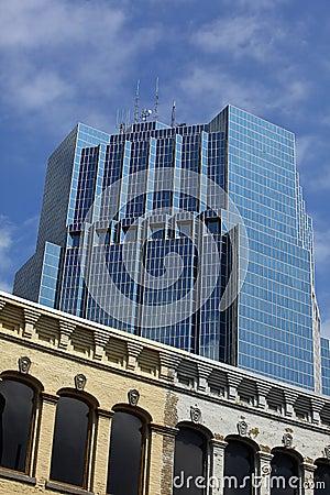 Gammalt torn för byggnadskontor