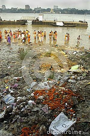 Free Ganga River Pollution In Kolkata. Royalty Free Stock Image - 10811946