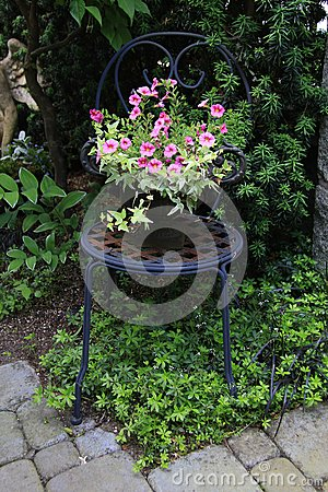 Free Garden Chair Royalty Free Stock Photos - 42621688