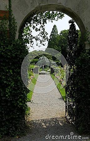 Free Garden Entrance Stock Photo - 975430