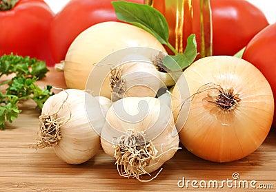 Garden fresh garlic, onions, tomatoes and parsley