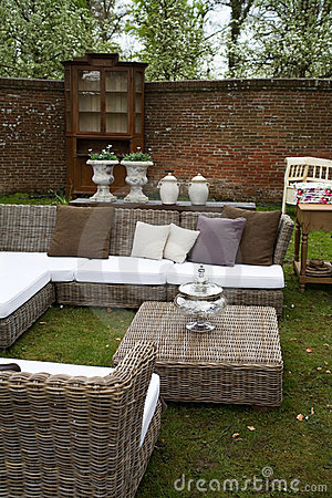 Free Garden Furniture Stock Photo - 5362550