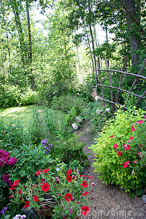 Free Garden Path Royalty Free Stock Photo - 1042715