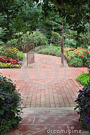 Free Garden Path Stock Image - 3177231