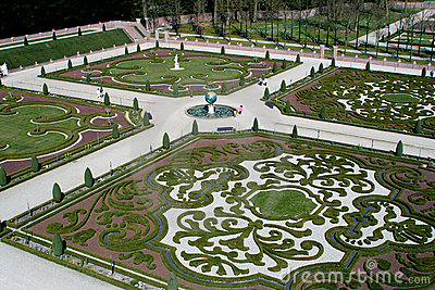 Garden of  t Loo Palace