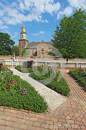 Free Gardens At Colonial Williamsburg In Front Of Bruton Parish Churc Royalty Free Stock Photos - 37097648