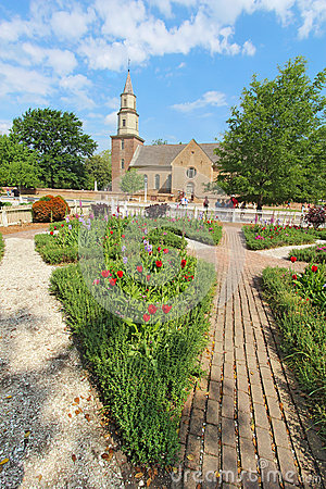 Free Gardens At Colonial Williamsburg In Front Of Bruton Parish Churc Royalty Free Stock Image - 38071166