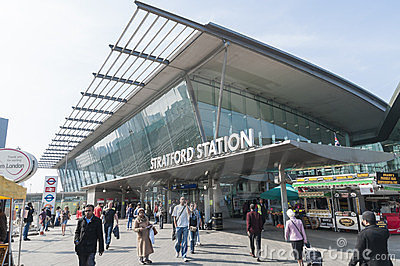 Gare de Stratford à Londres Photo éditorial