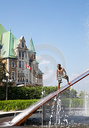 Gare du Palais Hydro Quebec Fountain Editorial Photo