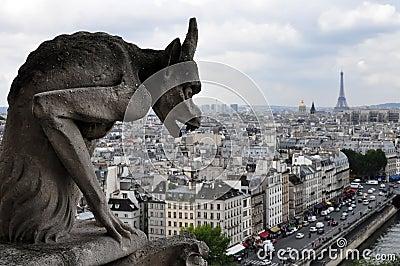 Gargoyle looking at Paris