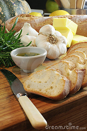 Free Garlic Bread & Rosemary Oil Stock Image - 409451