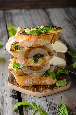 Free Garlic Herbs Toast With Fresh Mozzarella Royalty Free Stock Image - 126944386