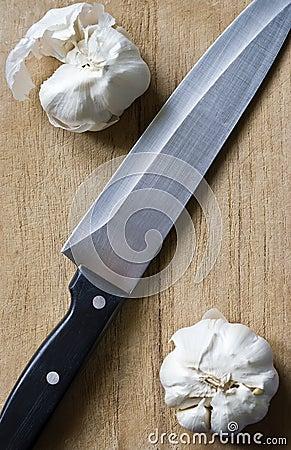 Garlic and knife