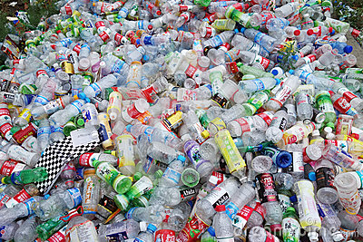 Garrafas do plástico do lixo Imagem Editorial