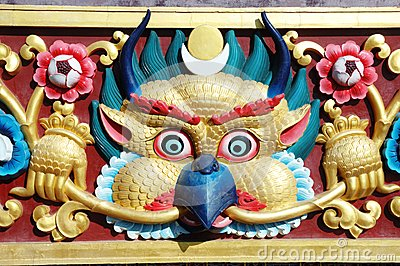 Garuda bird - sacred deity in hindu and buddhist mythology, arch
