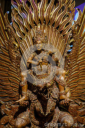 Free Garuda Statue Of The Hindu. Royalty Free Stock Image - 54146666