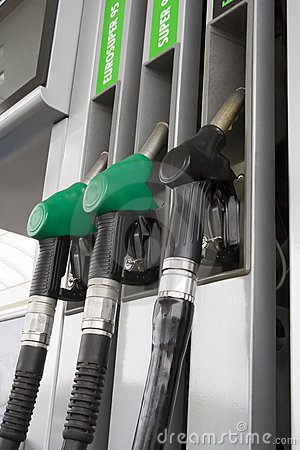 Free Gas Station Royalty Free Stock Photo - 2598945