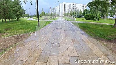 Gasse und Br?cke nach Regen stock video footage