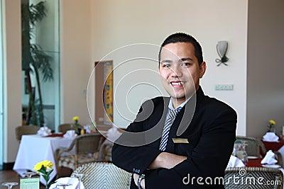 Gaststättemanager bei der Arbeit