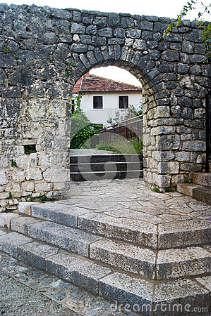Free Gate Into The Old Town Of Trebinje Stock Photo - 64915480