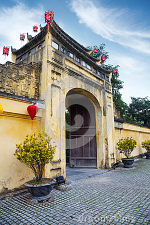 Free Gate To Imperial Citadel Thang Long In Hanoi Stock Photography - 30427652
