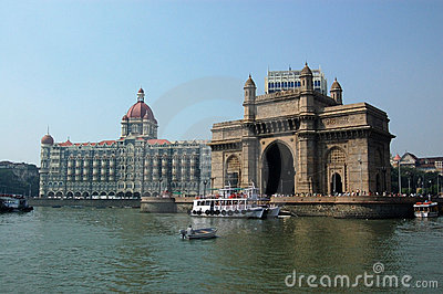 Gateway in India dal mare
