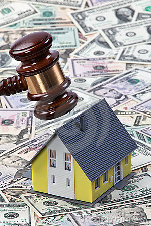 Free Gavel Above Toy House And Money Royalty Free Stock Image - 11883906